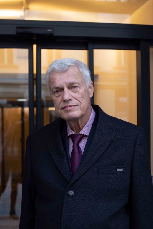 Plk. prof. MUDr. Vladimír Beneš, DrSc. – neurochirurg
