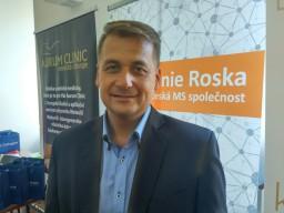 Neurolog Mareš představil na konferenci Unie Roska pokroky v léčbě rostroušené sklerózy