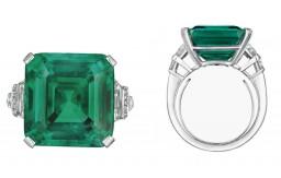 Smaragdový prsten rodiny Rockefellerů jde do dražby. Trhne rekord?